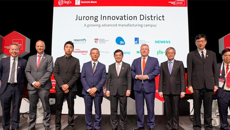Industry leaders posing with Deputy Prime Minister Heng Swee Keat at Industrial Transformation Asia Pacific (ITAP) 2019